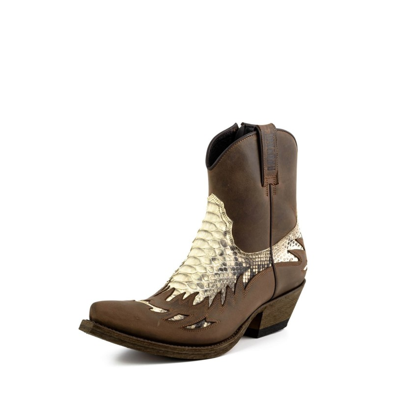 Mayura cowboy boots Model 12 in Crazy Old Sadale - Natural Python