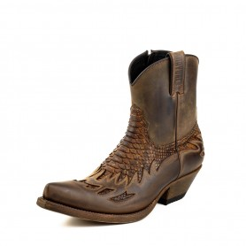 Model 12 in Crazy Old Sadale / Mate Tierra Python